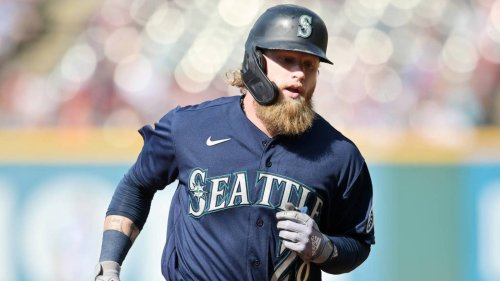 Mariners OF Jake Fraley tests positive for COVID-19, is symptomatic