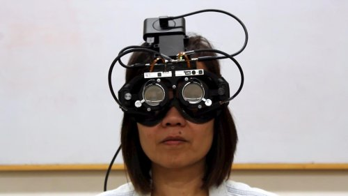 Researchers create eye-tracking glasses that auto-focus where you look | Engadget