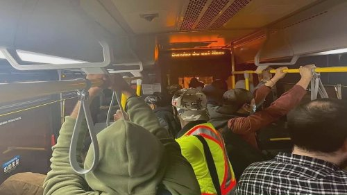 Overcrowding Toronto buses raise COVID-19 variant concerns among transit users, drivers