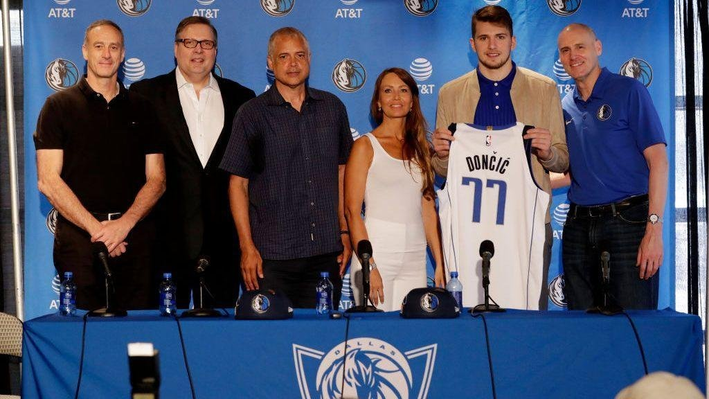 Report: Luka Doncic 'really upset' about Mavericks ousting Donnie Nelson