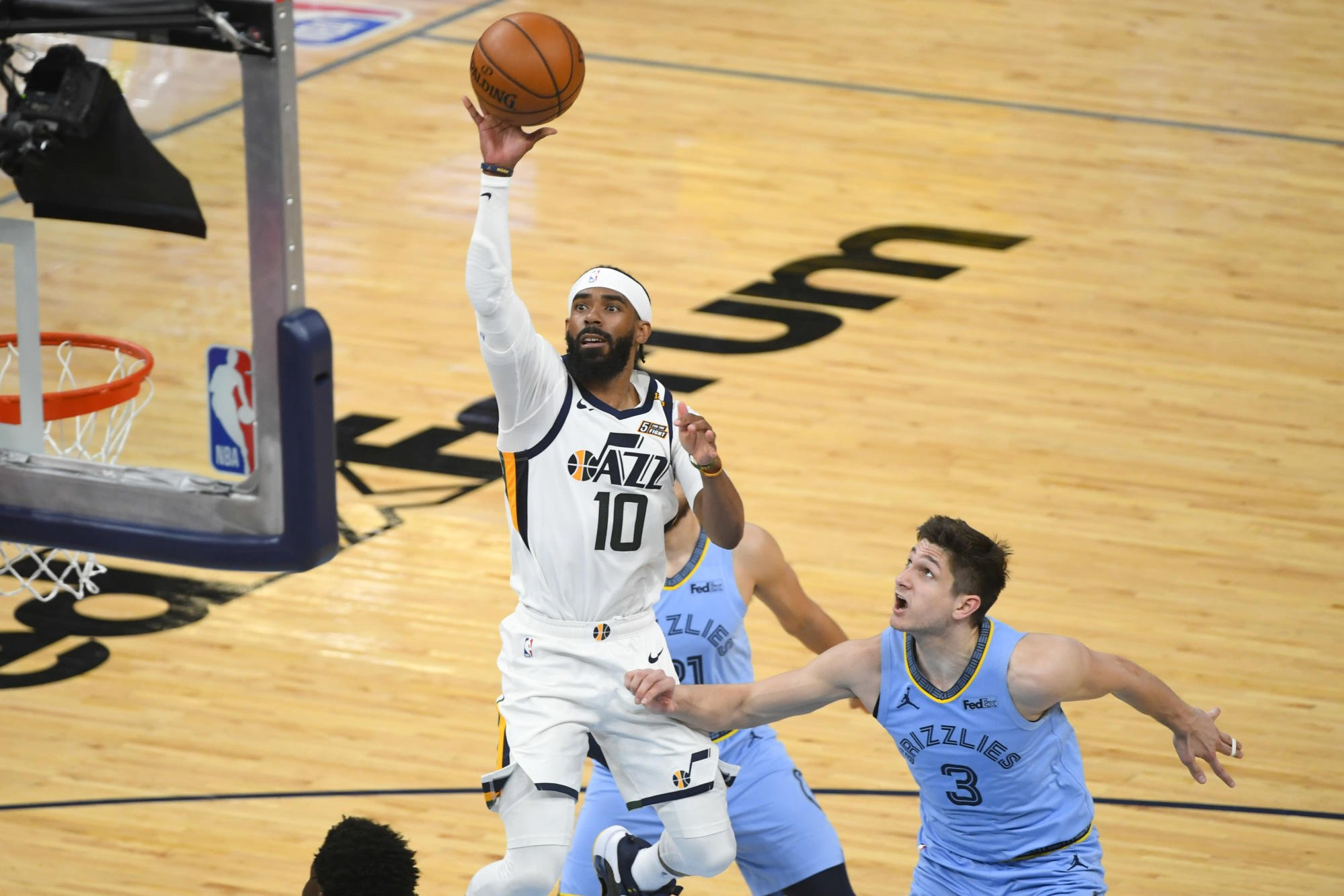 Jazz guard Mike Conley remains sidelined by hamstring strain