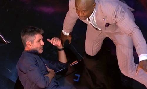 Simon Cowell's deadly 'America's Got Talent' stunt shocks audience: 'We need a medic!'
