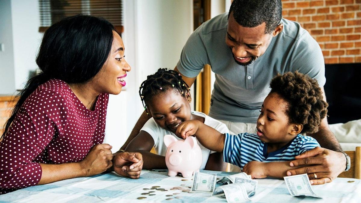 Top Financial Habits Parents Can Pass Along to Their Kids