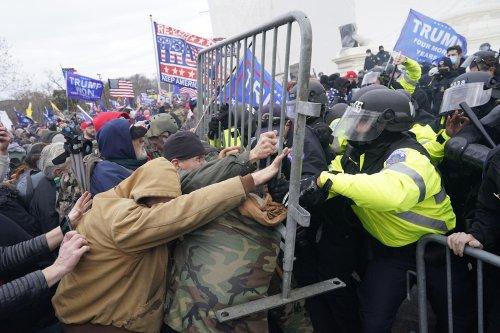 FBI nears 500 arrests stemming from pro-Trump riot at U.S. Capitol on Jan. 6
