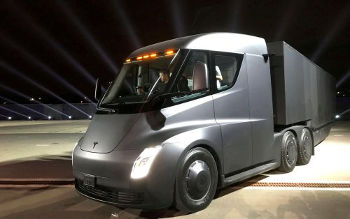Why Tesla is delaying the Semi EV until 2022 | Engadget