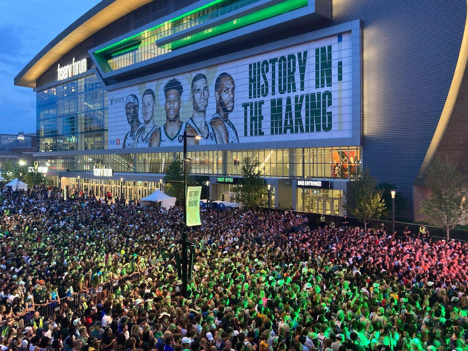 65,000 Fans Watched the Game Outside the Arena