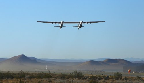 Stratolaunch completes second flight of world's largest plane | Engadget