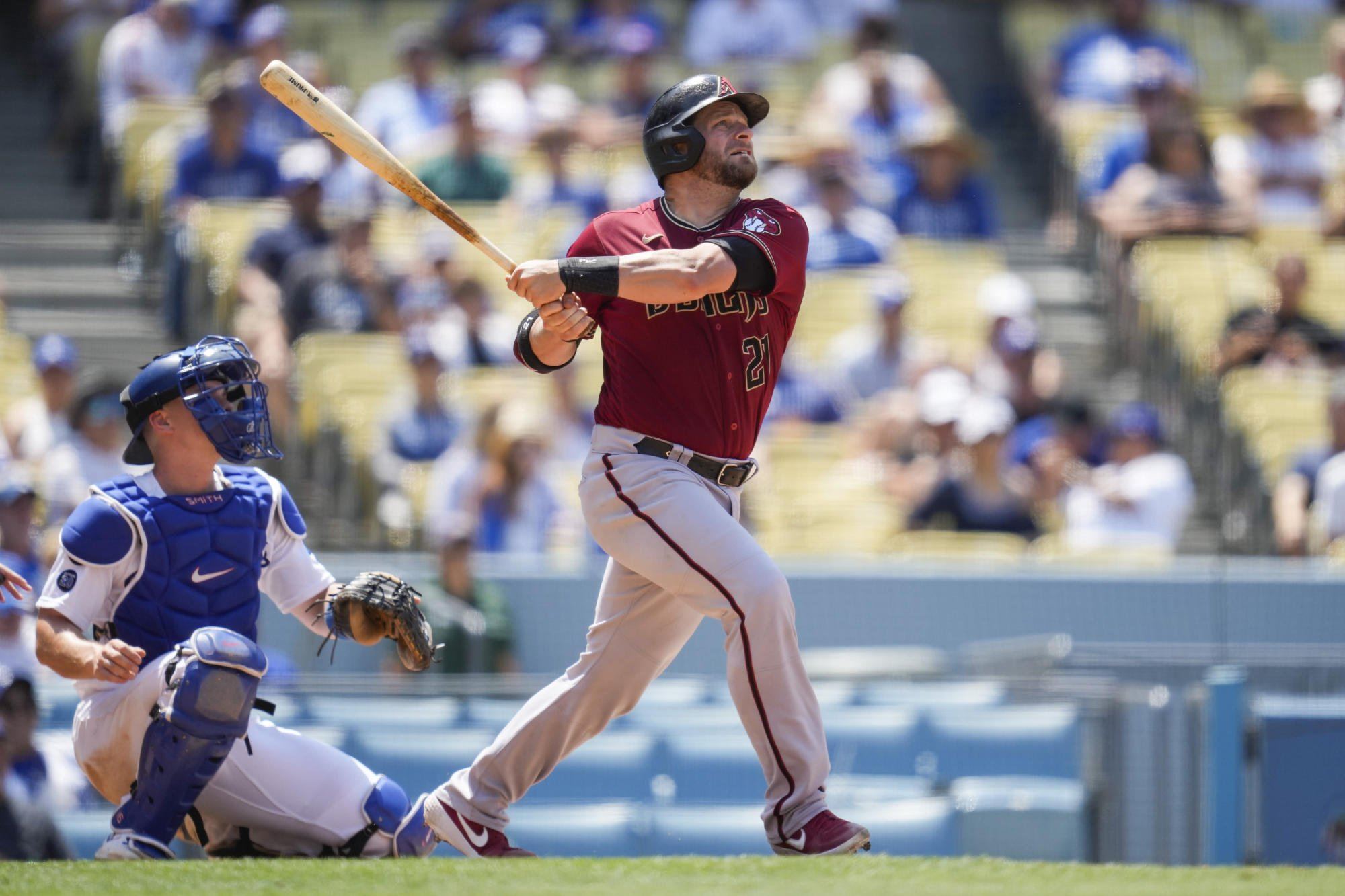 Braves swing another deal, get catcher Vogt from Arizona
