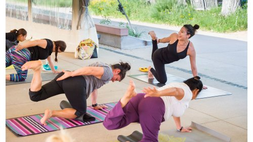 How Bilingual Yoga Can Boost Your Brain Power