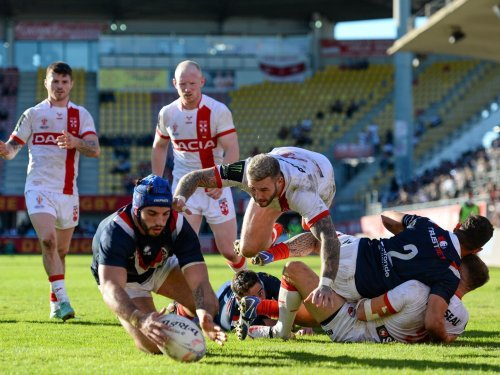 France 10 England 30: England have it tough in Perpignan