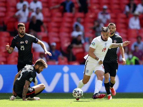Southgate on Phillips' alternative England role after Croatia plaudits