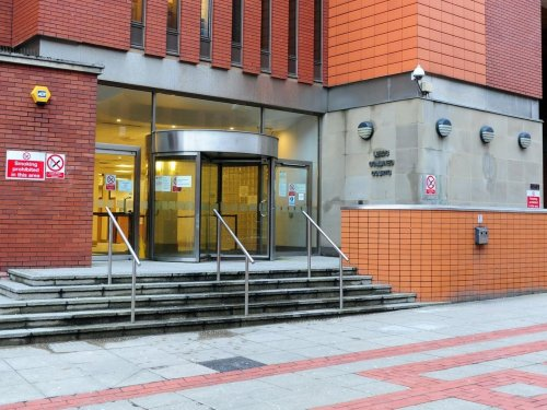 Drunk Meanwood man's wine glass attack on Halloween, Leeds Crown Court told