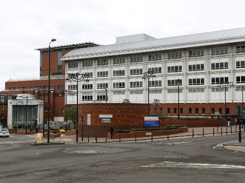 One new Covid death recorded at Leeds hospitals as cases fall by nearly 30% from previous week