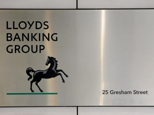 Lloyds Banking Group swings to a profit as it receives boost from UK economic recovery
