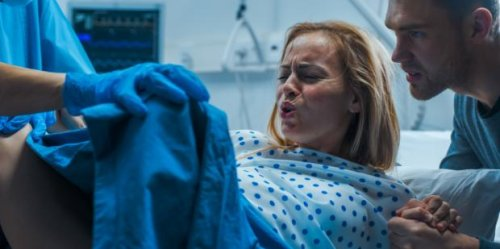 How Painful Childbirth Really Is & What Labor Feels Like When You Push A Baby Out