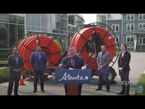 Alberta Premier Jason Kenney speaks with reporters in Camrose – July 22, 2021