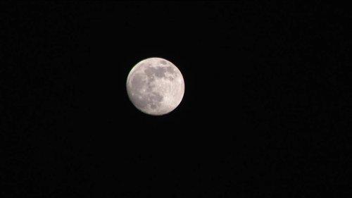 Super moon lunar eclipse visible tomorrow