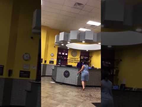 2-On-1 Planet Fitness Fight Might Be The Most Pathetic Fight You've Ever Seen