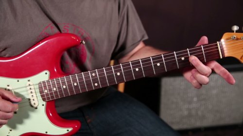 Clapton's legendary | Sliding Blues lick - How to sound smooth 🎸💙