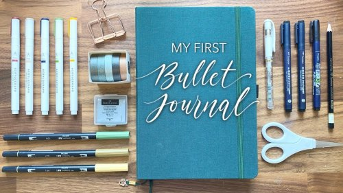 I Tried Bullet Journaling for the Very FIRST Time!.... And It's Not As Easy As You Think!