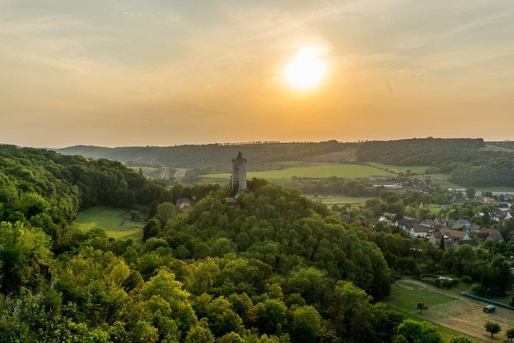 Urlaub in der Nähe - 8 schöne und spannende Reiseziele in und um Deutschland! - cover
