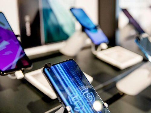 Do you really need a new phone? Why the global chip shortage should make you think twice | ZDNet