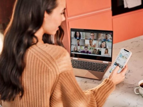 Microsoft starts adding consumer features to Teams desktop and web apps | ZDNet