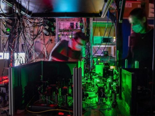 First multi-node quantum network paves the way for the quantum internet
