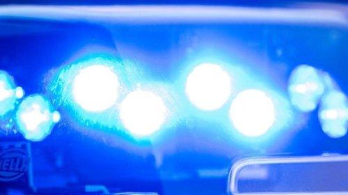 Notfälle: Bastler bringt Fass mit Winkelschleifer zur Explosion