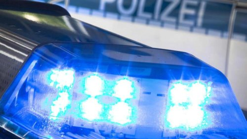 Kriminalität: Nach Führerscheinabgabe: 20-Jähriger fährt mit Auto davon