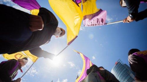 Volksentscheid in Berlin: HOLD Berliner stimmen für/gegen Enteignungen
