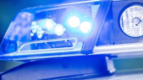 Kriminalität: Wahlplakate mit Hakenkreuzen beschmiert: Mann festgenommen