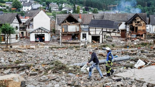 Rheinland-Pfalz und Nordrhein-Westfalen: Mehrere Tote und etwa 70 Vermisste bei Unwettern