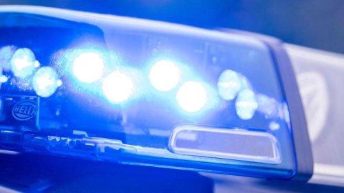 Kriminalität: Mann bestiehlt Rettungssanitäter während des Einsatzes