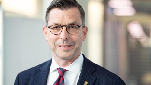 Parteien: Europaabgeordneter Berg schließt sich Kleinpartei LKR an