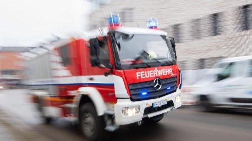 Brände: Brand in Werkstatthalle verursacht 150.000 Euro Schaden
