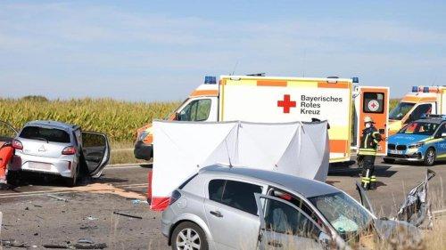 Unfälle: Drei Menschen sterben bei Autounfall in Mittelfranken