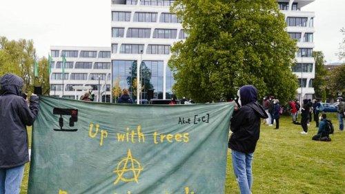 Erneut Protest von Klimaschützern gegen Heidelbergcement