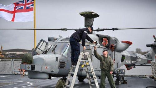 Russland feuert angeblich Warnschüsse auf britisches Schiff