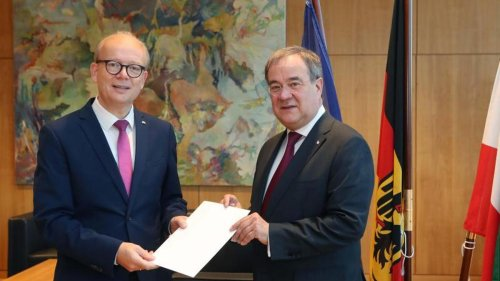 Regierung: Laschet legt Amt als Ministerpräsident nieder