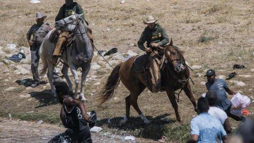 Migration: Riesiges Migrantencamp in Del Rio - USA schieben Menschen ab