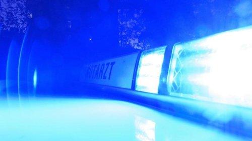 Mehrere Verletzte bei Zusammenstoß mit Polizeiauto