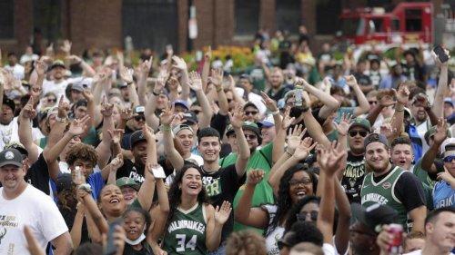 NBA: Tausende Fans feiern die Meisterschaft der Bucks