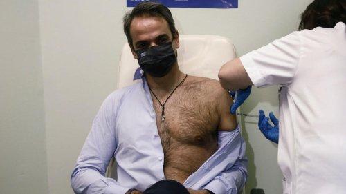 Corona-Impfungen bei Politikern: Obenrum frei