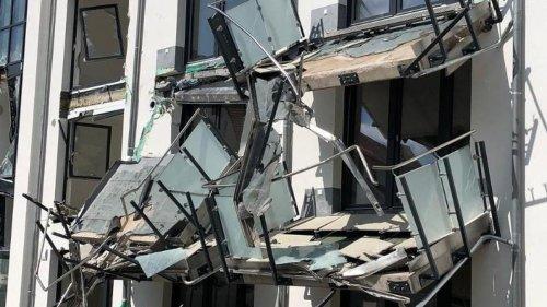 Kriminalität: Frust über ausstehende Zahlung: Baggerfahrer zerlegt Neubau