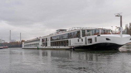 Rheinland-Pfalz: Zwei Schiffe auf dem Rhein havariert - Schifffahrt gesperrt