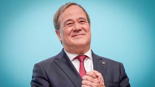Nordrhein-Westfalen: Laschet legt Amt des Ministerpräsidenten nieder