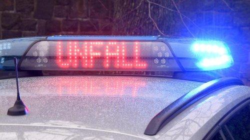 Auto wird gerammt und landet im Graben: Ein Schwerverletzter