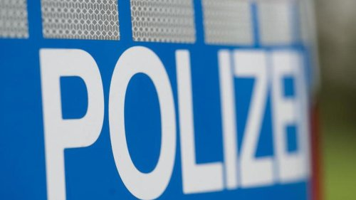 Zweijähriges Kind stürzt aus Fenster und stirbt