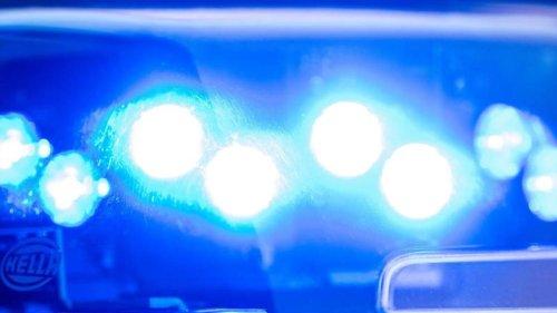 Waffen: Schusswaffen und Munition in Wohnhaus gefunden